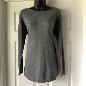 Apt 9 soft gray sweater size Medium